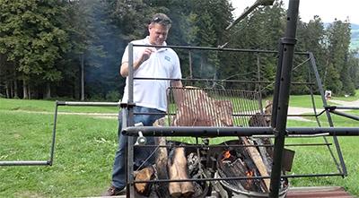 Frank Widmer frawi.ch grilliert Fleisch